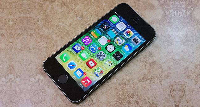 L'iPhone 5s peut être réparé à Nantes en cas de chute de l'eau ou écran cassé.